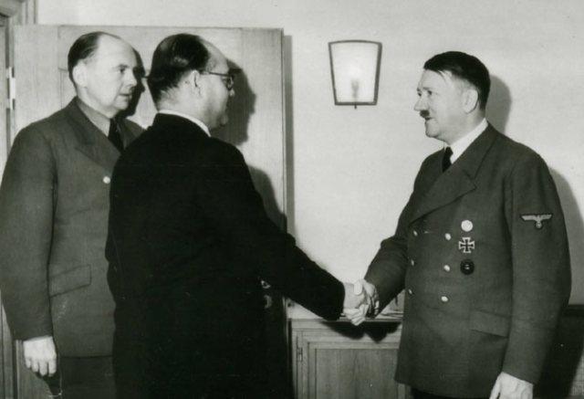 Image result for सुभाष चंद्र बोस ने हिटलर से मुलाकात की
