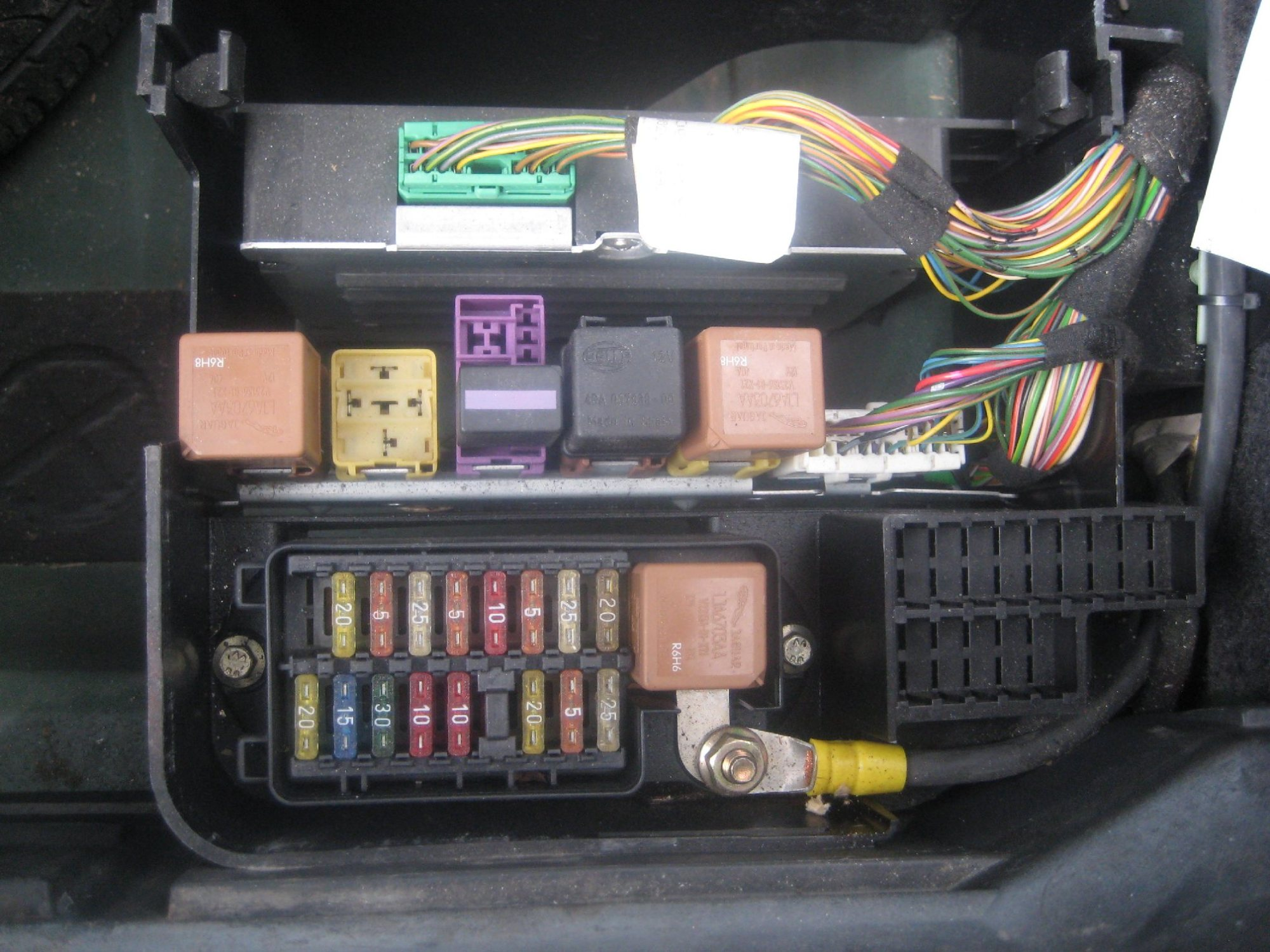 hight resolution of x300 fuse box wiring diagram centre missing relay in trunk fuse relay box jaguar