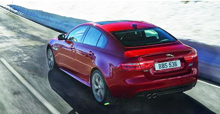 jaguar_xe_rear_tail_lights_awd