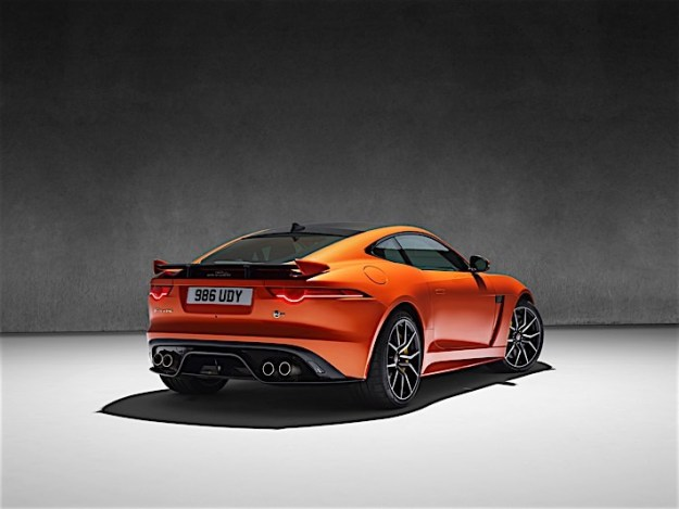 Jag_FTYPE_SVR_Coupe_Studio_170216_41_(126529)