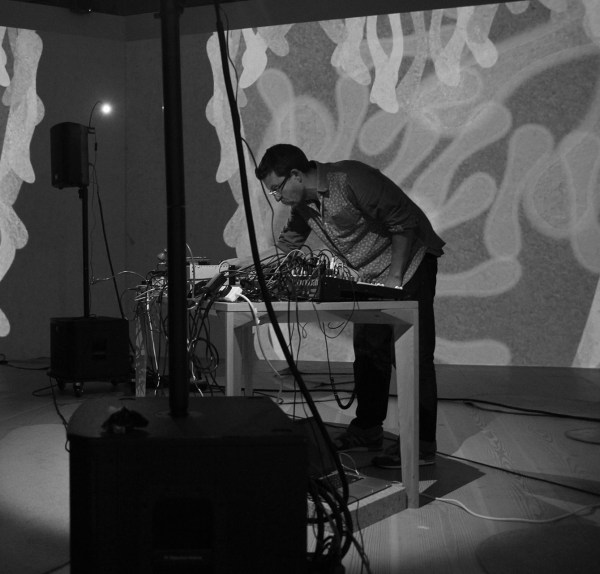 Nonclassical / curated by Tom Richards