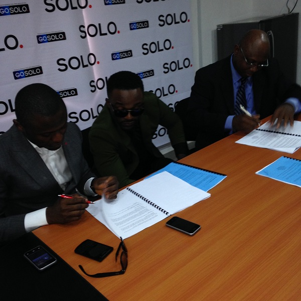 Iyanya & Solo Phones 2