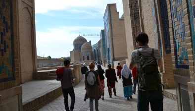 Tourists flocking to Shakhi-Zinda