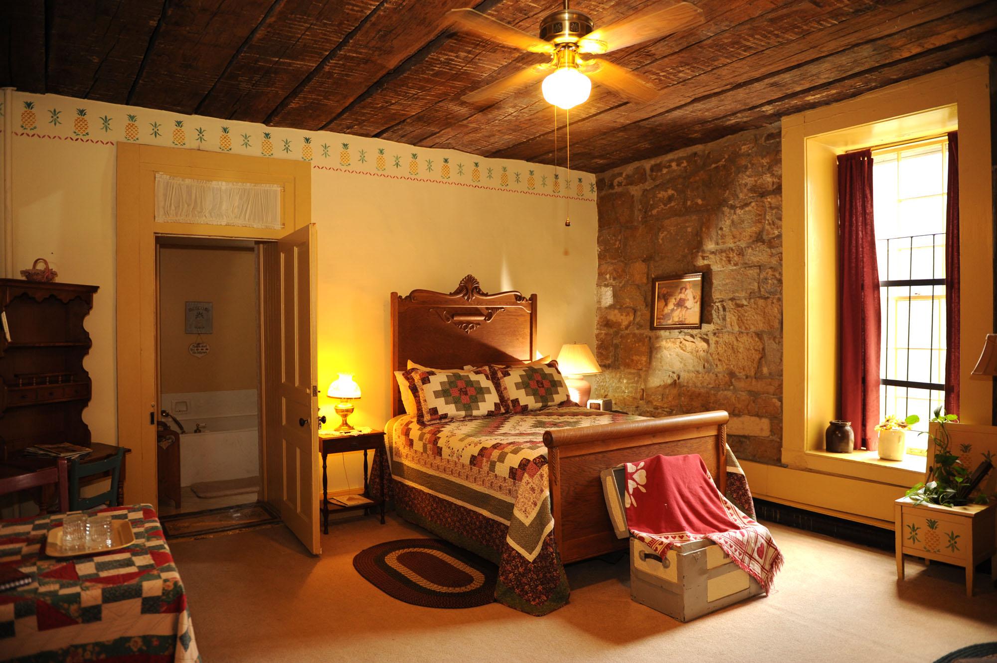 Colonial Room  Jailers Inn Bed  Breakfast