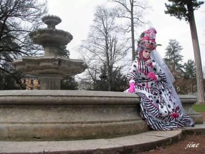fontaine et masque à Annecy