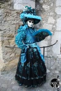 déguisement bleu et noir à Annecy