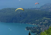 annecy : parapentes au lac