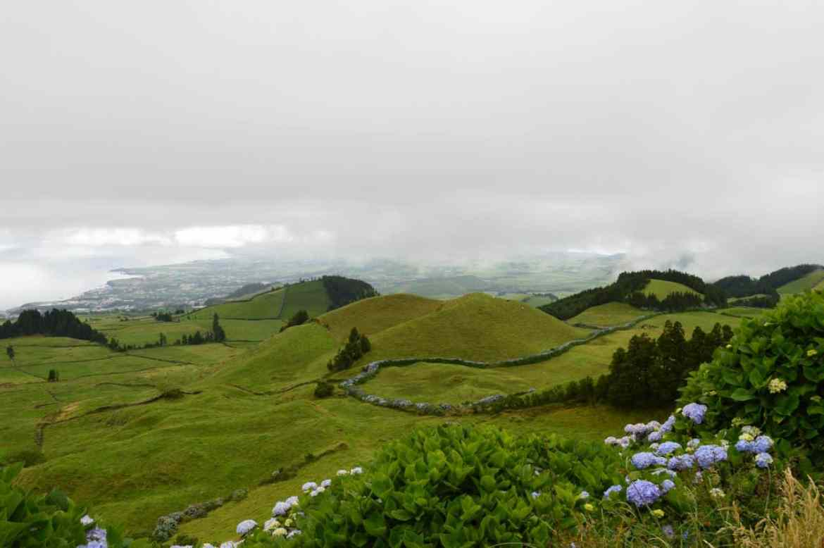 Where is Sete Cidades? First, you must go high into the mountains of Saõ MIguel.