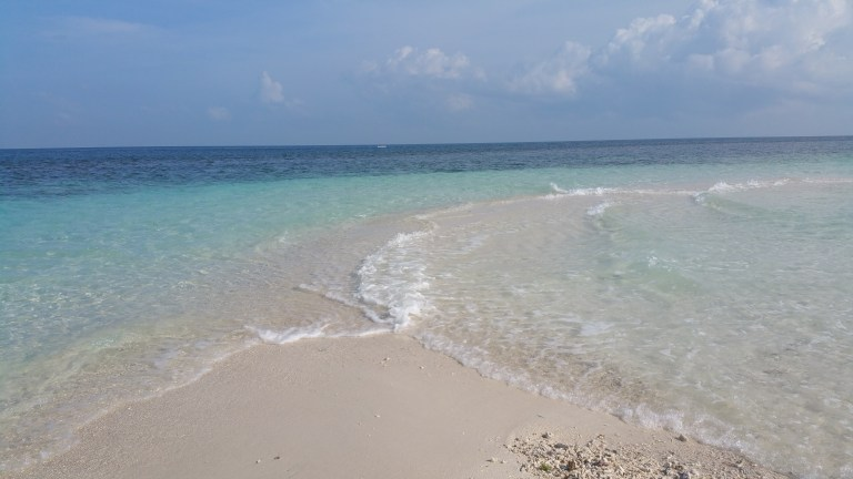 white beach camiguin filipinas