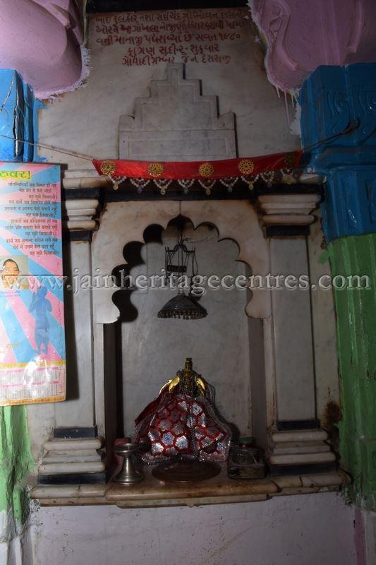 ancient_digambar_jain_temple_-_gogha_-_gujarat_20160517_1932840840