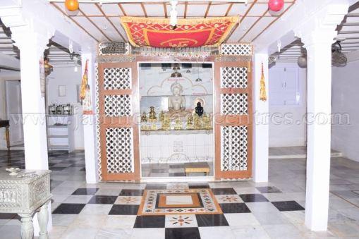 ancient_digambar_jain_temple_-_gogha_-_gujarat_20160517_2017074636
