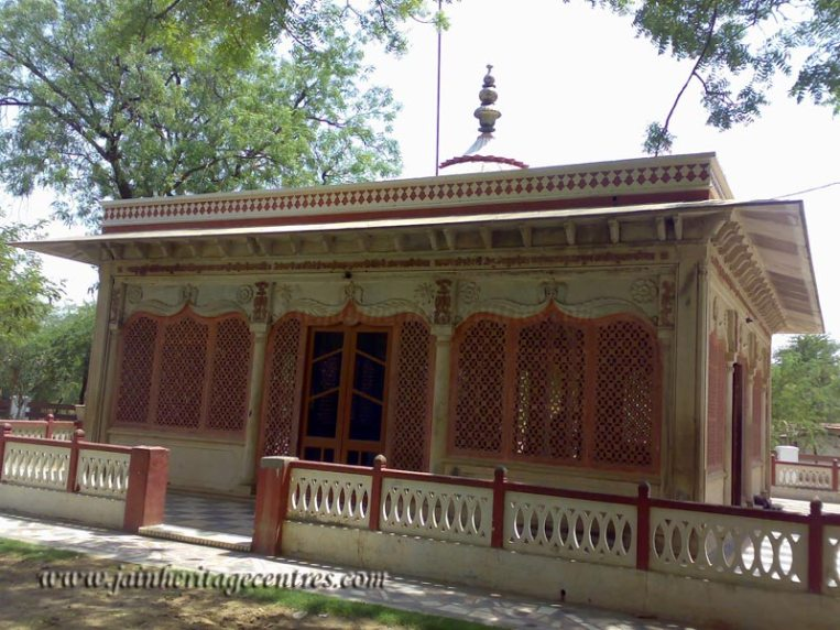mahavirji_20111021_1710899502
