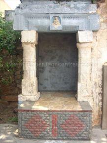 ancient_sri_vijaya_parshwanatha_swamy_temple_chamarajanagar_20120907_2026656902
