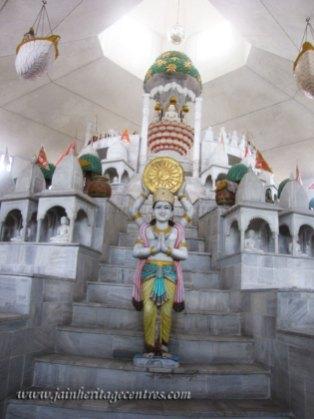 hastinapur_-_badamandir_complex_20111021_1572838709