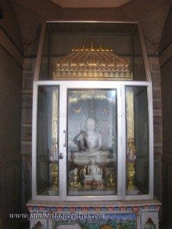 hastinapur_-_badamandir_complex_20111021_1811799956