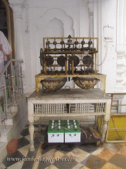 hastinapur_-_badamandir_complex_20111021_1821140889