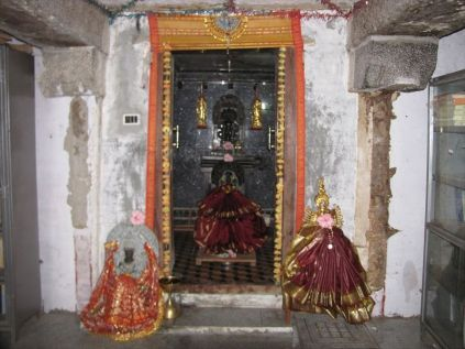 sri_parshwananatha_temple_20120901_1935960025