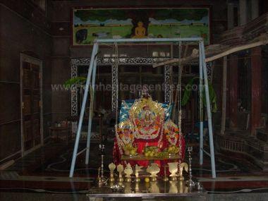 sri_parshwanatha_swamy_temple_chamarajanagar_20120907_1136670724