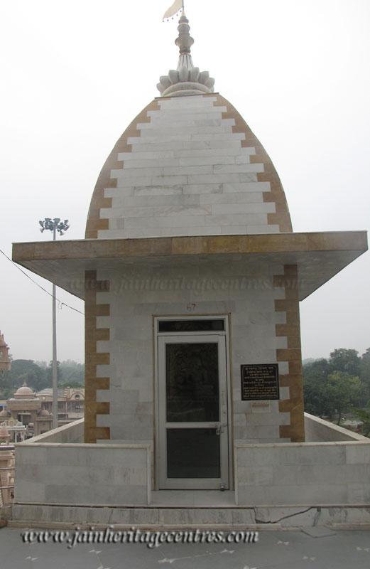 hastinapur_-_kailash_parvat_mandir_20111021_1083692174
