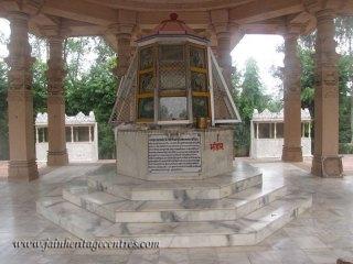 hastinapur_-_nishiyaji_20111021_1013638984