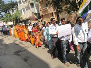 protest_at_bangalore_against_the_attack_on_jain_muni_at_girnar_20130106_2054432063