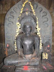 sri_suparshwanatha_swamy_digambar_jain_temple_bastimakki_11_20120828_1643799672