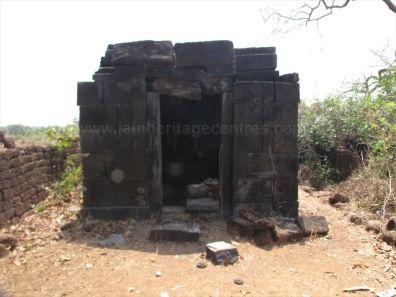 sri_suparshwanatha_swamy_digambar_jain_temple_bastimakki_7_20120828_1459481157