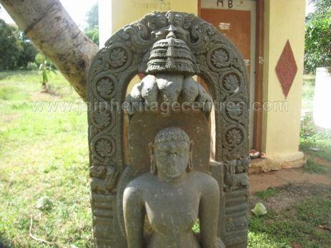 jain_ruins_of_kumarabeedu_mysore_district_karnataka_20131216_1428530277
