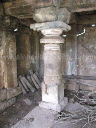ruined_parshwanath_swamy_temple_makodu_makod_20131018_1542511824