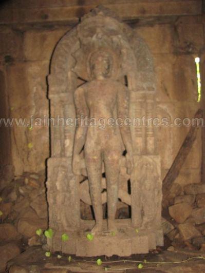 ruined_parshwanath_swamy_temple_makodu_makod_20131018_1582064912