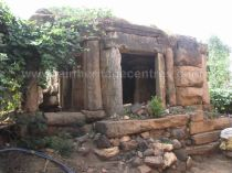 ruined_parshwanath_swamy_temple_makodu_makod_20131018_1891979055
