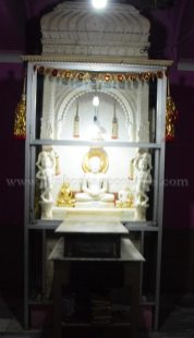 1008_sri_chandraprabhu_swamy_digambar_jain_temple_navada_bihar_20151107_1378380064