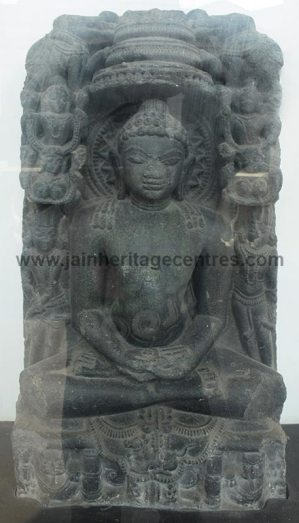 jain_idols_at_indian_museum_karnataka_20151107_1733132527