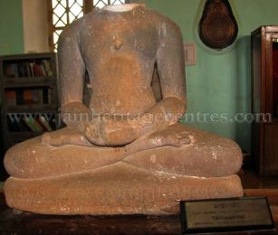 jain_idols_at_madikeri_museum_karnataka_20150601_1867798629
