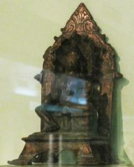 new_delhi_-_bronze_idol_at_national_museum_20120524_1359591730