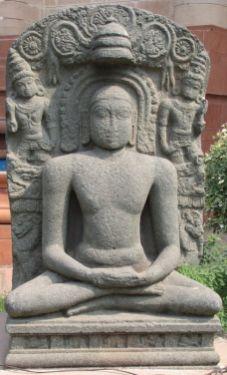 new_delhi_-_stone_idols_at_national_museum_20120524_1822782898