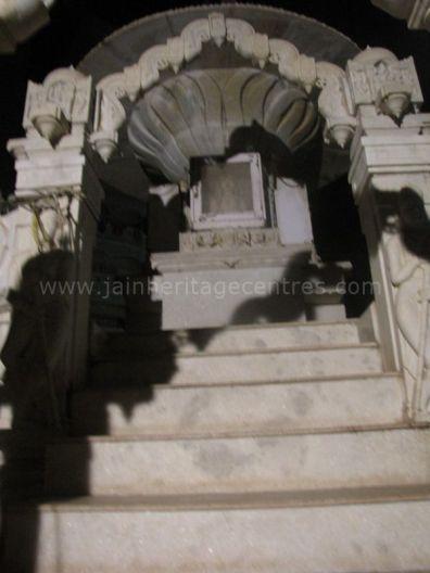 vishakapattanam_-_jain_samavasarana_mandir_20120419_1221086125