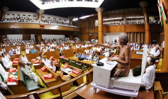 ಜೈನ ಮುನಿ ತರುಣ ಸಾಗರ ಮಹಾರಾಜ್