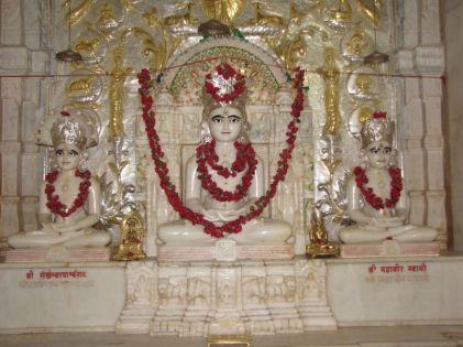 swethambar_murthypoojak_jain_temple_madgaon_goa_20120711_1451328062