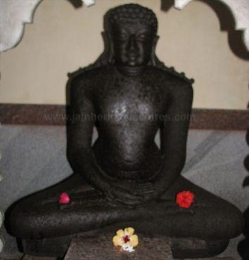adinatha_basadi_venur_20120801_1949810894