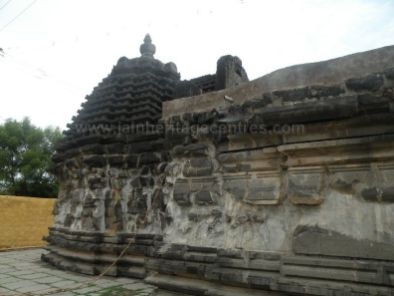 ancient_sri_parshwanatha_swamy_temple_ammanagi_20120907_1309296451