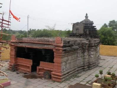 ancient_sri_parshwanatha_swamy_temple_ammanagi_20120907_1610066275