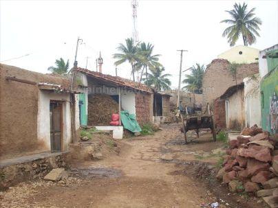 ancient_sri_parshwanatha_swamy_temple_amminabhavi_20120907_1222166715