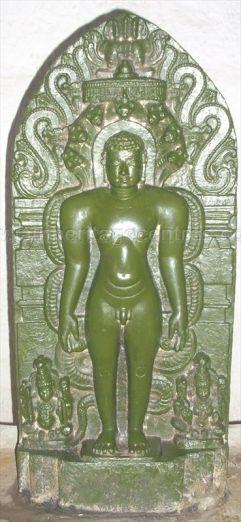 ancient_sri_parshwanatha_swamy_temple_amminabhavi_20120907_1383407156