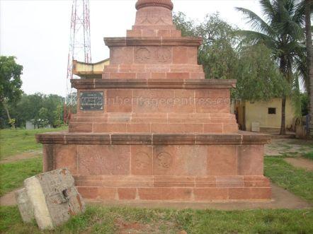 ancient_sri_parshwanatha_swamy_temple_amminabhavi_20120907_1771296502