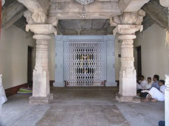 shanthinatha_basadi_venur_20120801_1726433981