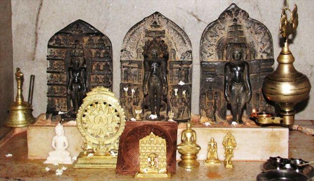 sri_ananthanatha_swamy_digambar_jain_temple_hosaholalu_20120828_1097641254