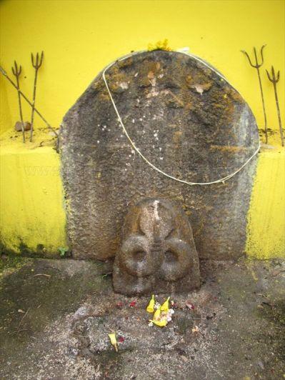 sri_chandranatha_swamy_digambar_jain_temple_yermalu_20120901_1392766361
