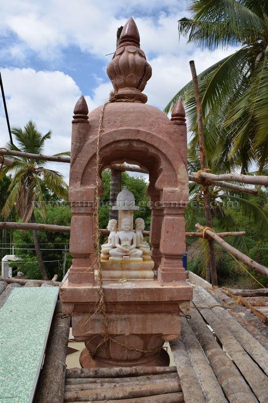 sri_chandraprabhu_swamy_digambar_jain_temple_-_tovinakere_20160515_1008928155