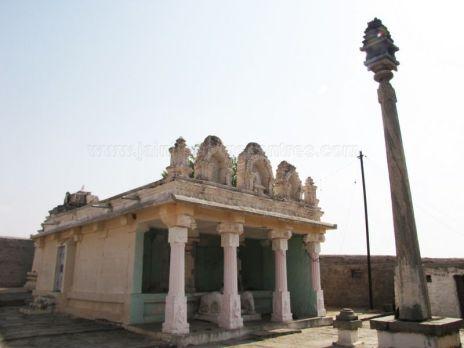 sri_kashtaharana_parshwanatha_swamy_digambar_jain_temple_-_nidugal_20120419_1825620049